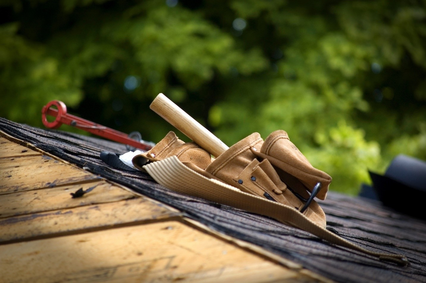 Questions to Ask when Hiring a Roofing Contractor